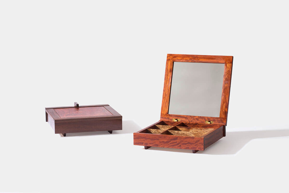 Mira Mirror Box